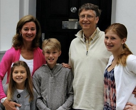 Rory John Gates with his father Bill Gates and other family members