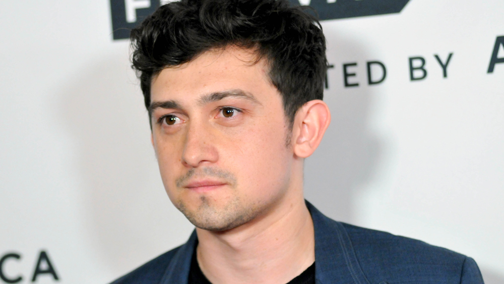 Craig Roberts dating Sai Bennett or he have another girlfriend? Know Craig Roberts wiki, age, height, parents, siblings, and much more.