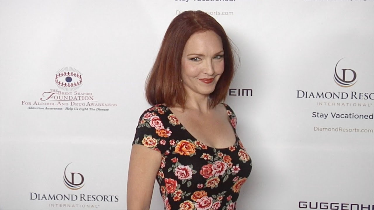 Amy Yasbeck, dating, boyfriend, husband, net worth