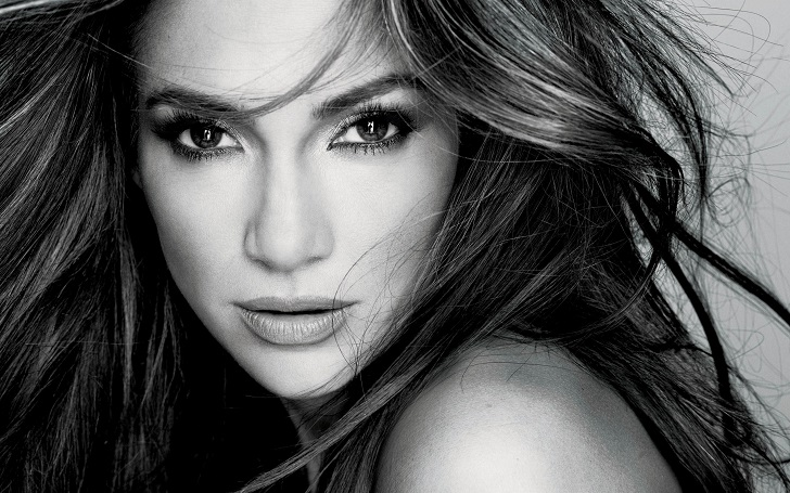 Jennifer Lopez is Moving in Together With Her Boyfriend Alex Rodriguez, Know More!