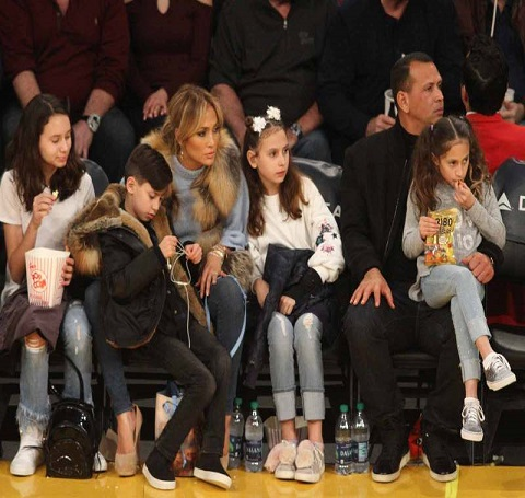J Lo and partner A Rod with family during the LA Lakers game