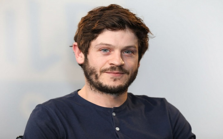 Iwan Rheon is dating girlfriend Zoe Grisedale