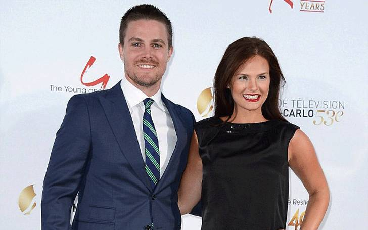 stephen amell wiki-bio, net worth, married, wife, children