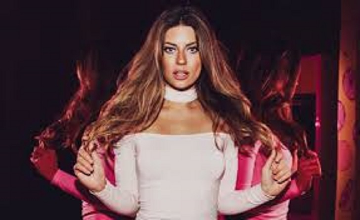 Internet Personality and Instagram Sensation Hannah Stocking Accused Boyfriend via Social Media; Is She Dating a New Boy?
