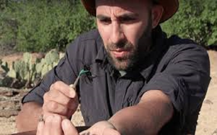American YouTuber, Coyote Peterson is married to his wife and shares a daughter. Know Peterson's daughter, career, age, real name, family and Peterson's net worth, wiki, bio
