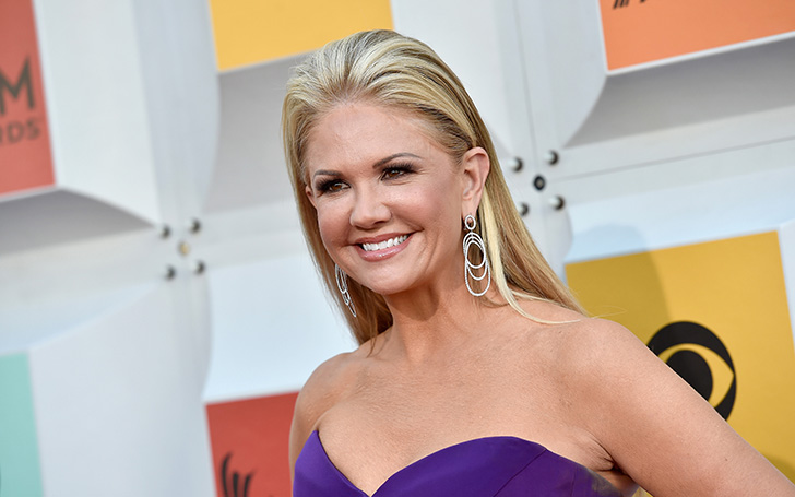 Nancy O' Dell wiki-bio and personal affairs including marriage, dating, divorce, plastic surgery and the likes