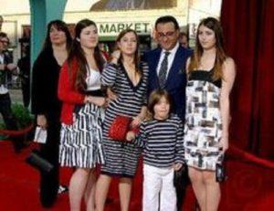 Every one admiresAndy Garcia's family
