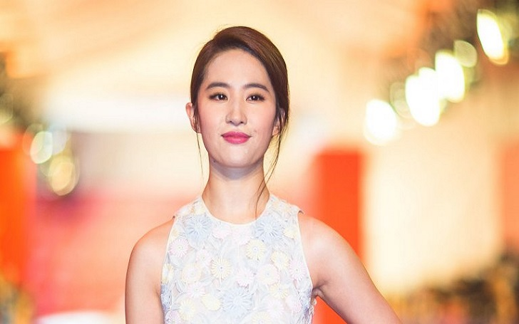 Liu Yifei is dating her Korean boyfriend actor Song Seung Hun.