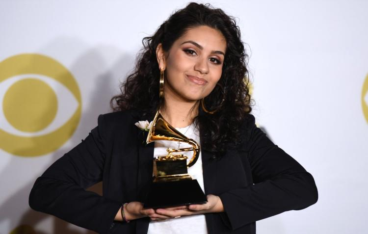 Alessia Cara: A Happy Moment To Share Her Grammy With Boyfriend; Soon To Get Married?