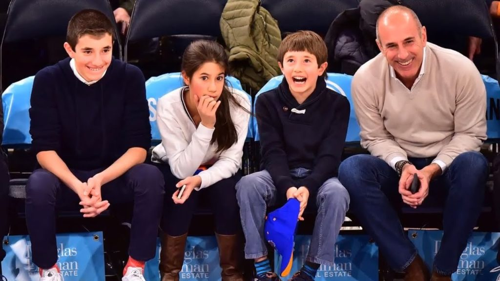 Matt Lauer and his children are enjoying the Knicks game