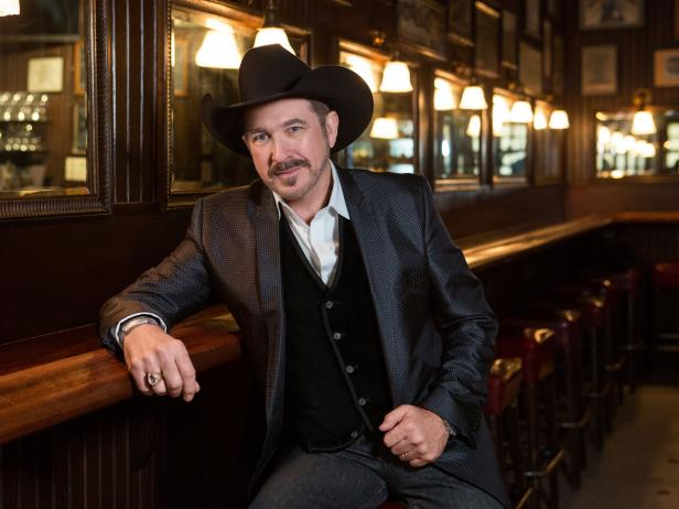 Brooks & Dunn's Co-Singer Kix Brooks' Married Life, Wife, Children, Net worth, Wiki, Career, Bio