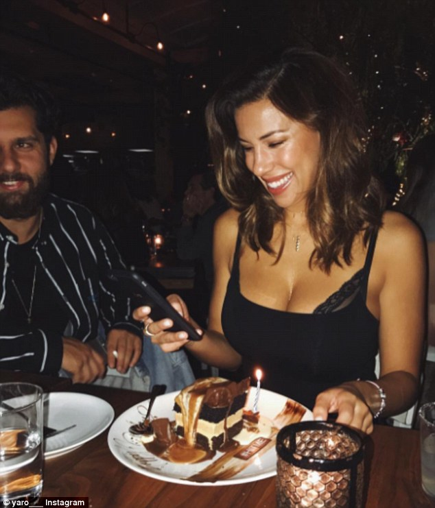 Devin Brugman, a bikini model, entrepreneur and fashion blogger! Her affairs, boyfriends, net worth, career, age, height, and wiki!