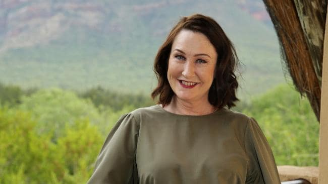 Exclusive Details On Queen Of Jungle Fiona O'Loughlin Married Life, Husband, Children, Career in TV shows And Stand-Up Comedies, Net Worth And Wiki-Bio