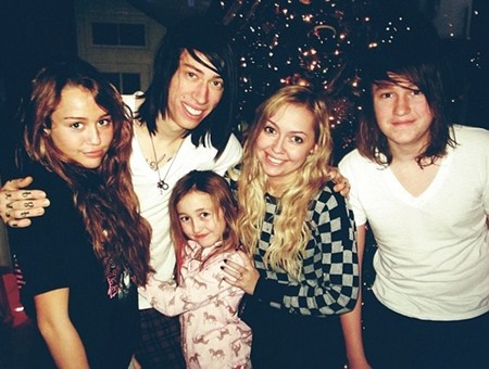 Christopher Cody Cyrus family, parents, sister, siblings