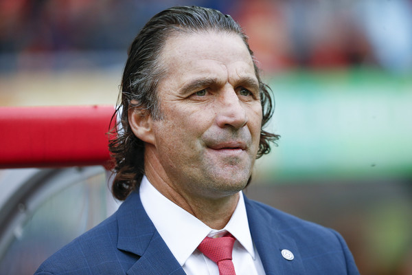 Juan Antonio Pizzi married, wife, bio, height