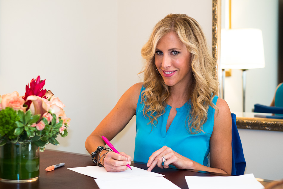 Emily Giffin Wiki: Married, Husband, Children, Net worth, Books, Family, Bio