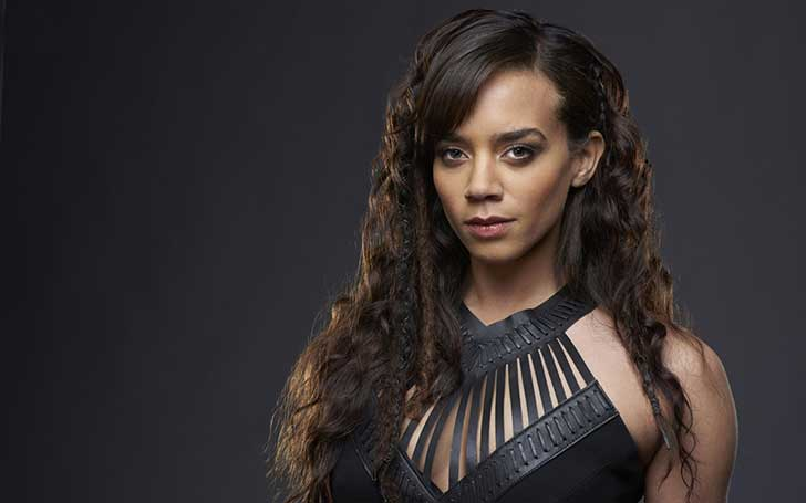 Hannah John-Kamen is currently dating Julian Stevens. Know Hannah John-Kamen bio, wiki, boyfriend, net worth, height, age, parents, ethnicity, and dating affair.