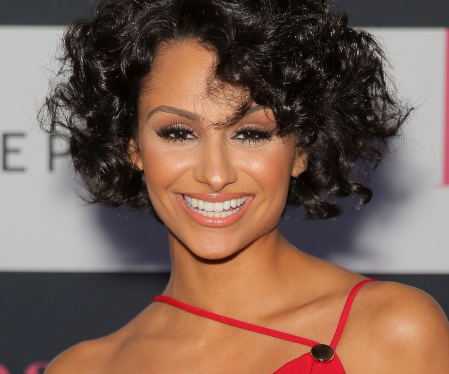Nazanin Mandi bio, wedding, husband, fiance, net worth, wiki