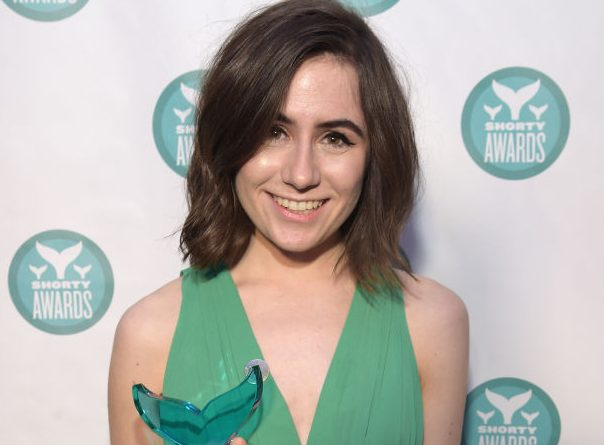 Dodie Clark wiki, bio, boyfriend, net worth, age, height, parents