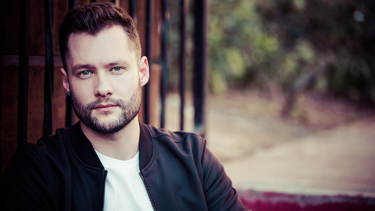 Calum Scott dating, girlfriend, Married, Gay, Net worth, Height, Songs!