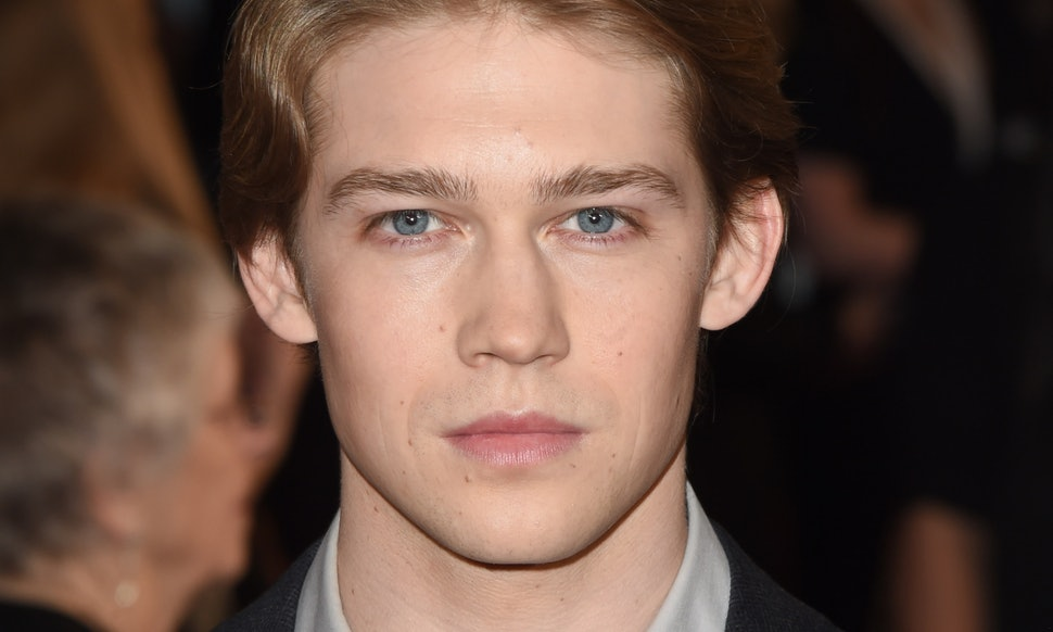 Joe Alwyn Wiki, Bio, G... Taylor Swift Net Worth