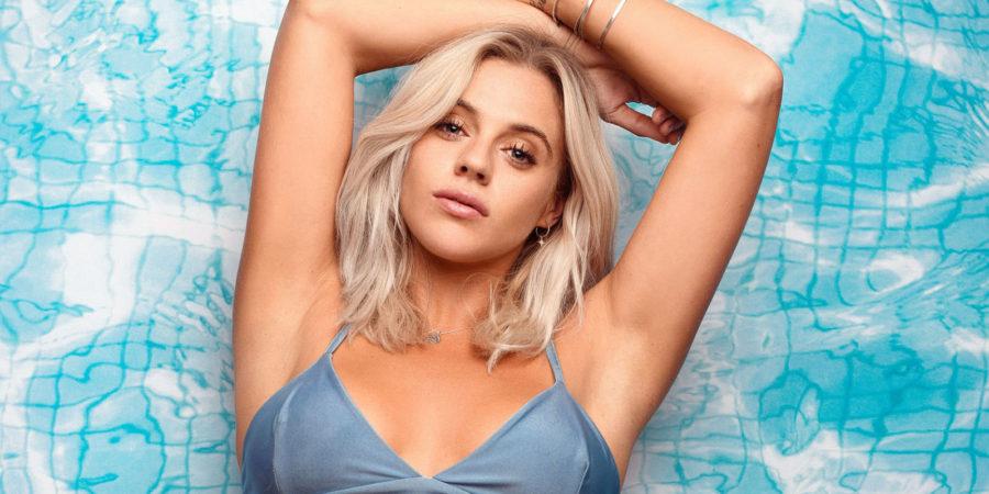 Laura Crane wiki, bio, boyfriend, net worth, age, height