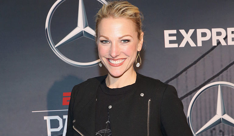 Lindsay Czarniak: Enjoys A Happily Married Life With Her Husband Along With A Promising Career