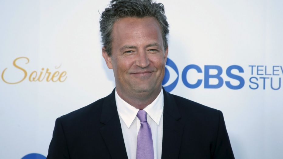 Matthew Perry wiki, bio, age, height, family, girlfriend, married