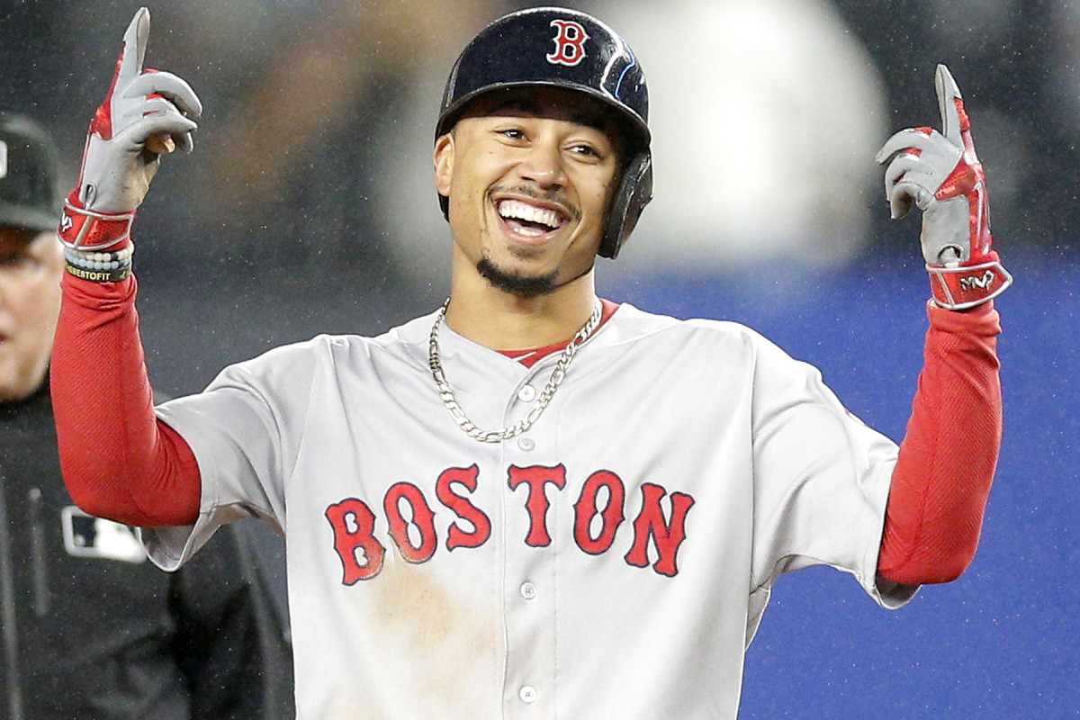 Mookie Betts wiki, bio, age, height, net worth, contract, girlfriend, married, children, parents