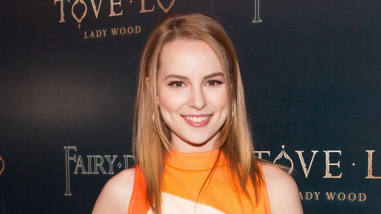 Bridgit Mendler wiki, bio, boyfriend, married, pregnant, age, height, family