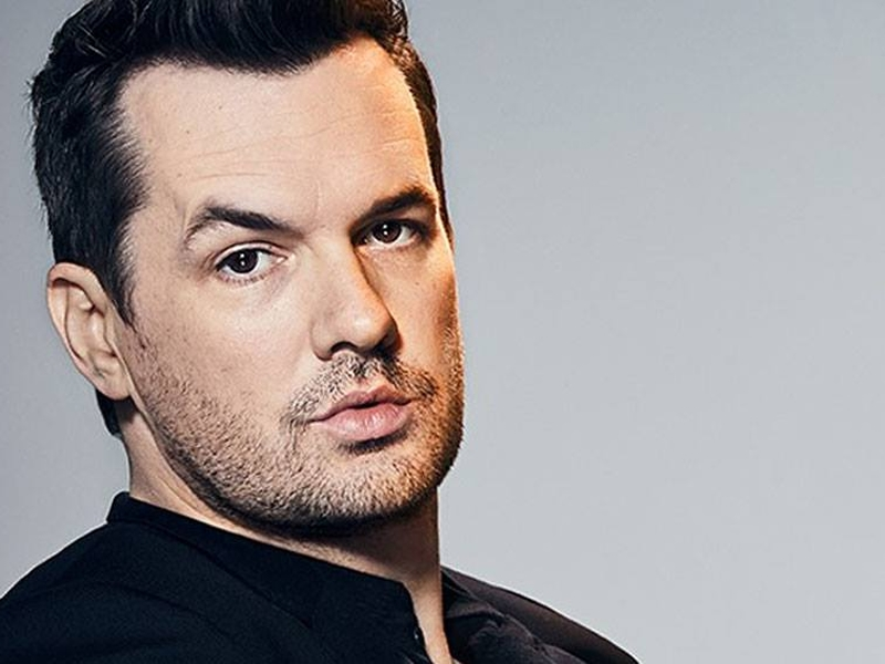 Jim Jefferies Bio Reveals: Dating or Married To Someone? From His Family To Net worth To Girlfriend Details