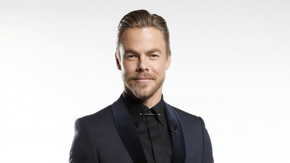 Derek Hough wiki, bio, age, height, family, girlfriend, married