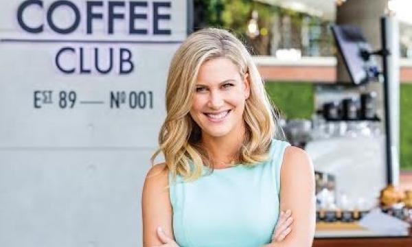 Justine Schofield wiki, bio, boyfriend, married, age, birthday, brother, family