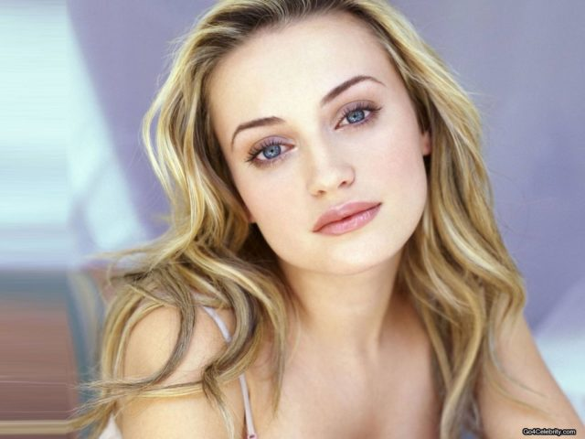 Monica Keena wiki, boyfriend, married, net worth, age, sister, parents