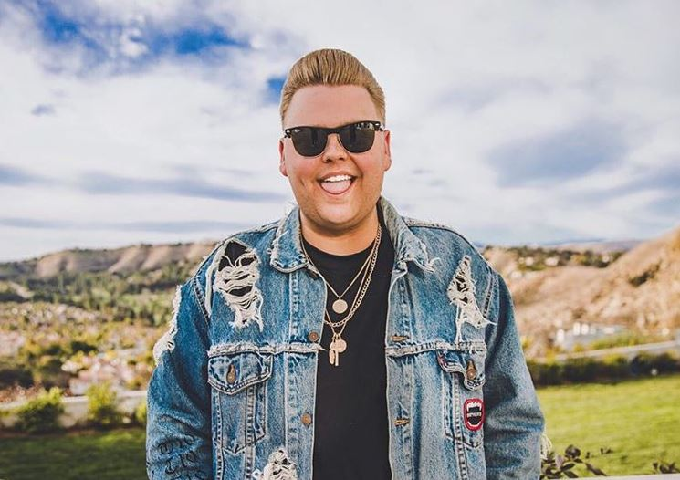 Nick Crompton gay, age, boyfriend, birthday, wiki, weight