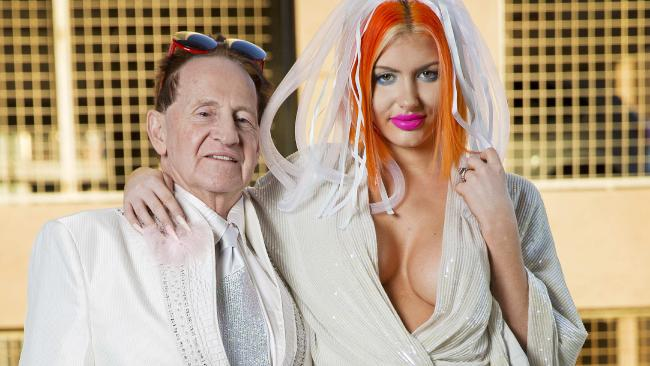Gabi Grecko wiki, husband, wedding, net worth, age, family, brothers, height