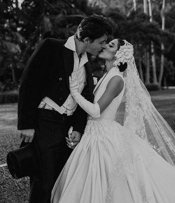 Lisa Origliasso wedding with Logan Huffman