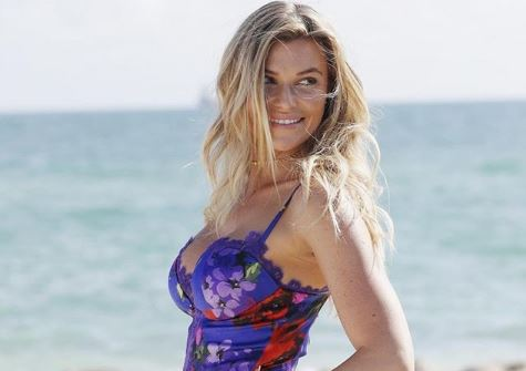 Samantha Hoopes age, height, boyfriend, engaged, wiki, family
