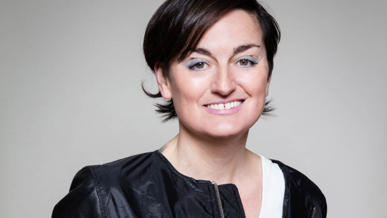 Who Is Zoe Lyons Wife? Know Her Wiki Facts: Age, Family, And Birthday