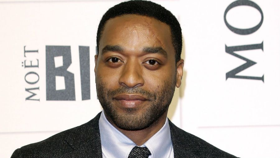 Chiwetel Ejiofor is dating girlfriend, Frances Aaternir.