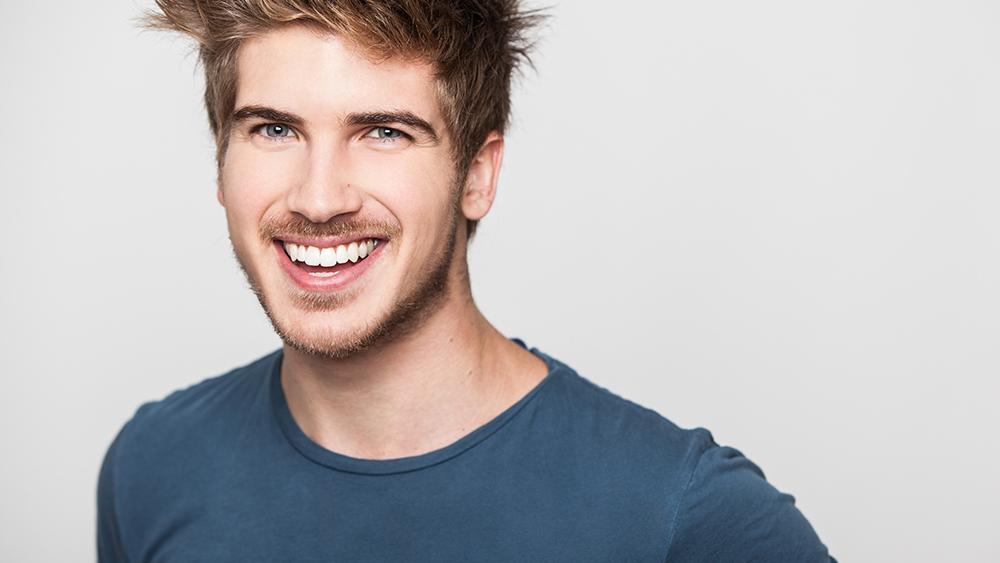 Know Joey Graceffa' Age, Wiki-Bio, Body Measurements, Gay, Boyfriend, Net Worth, Earnings, Career, and More!