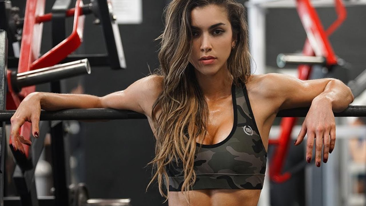 Anllela Sagra boyfriend, age, net worth, height, parents