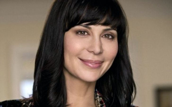 Catherine Bell was married to Adam Beason in 1994 and she divorced with her husband in 2011. Then she started dating lesbian partner Brooke Daniells in 2012.