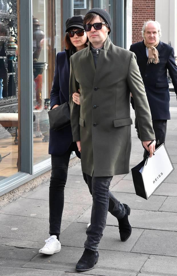 Golden Globe Nominee Caitriona Balfe with her husband to be Tony McGill