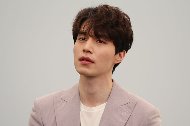 Lee Dong-wook is reportedly not dating anyone for now.