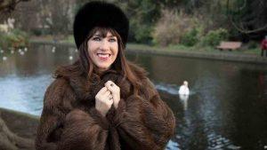 Victoria Mary Clarke wiki, husband, wedding, net worth, age, mother