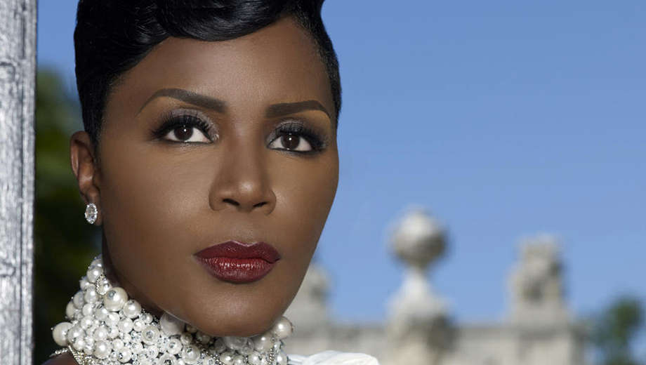 American comedian Sommore reportedly single; Explore Sommore Net Worth, Wiki-Bio, Boyfriend, Affairs, and Mother; Sommore is the sister of Nia Long; Also, see..