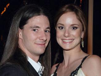 Josh Winterhalt married girlfriend turned wife Sarah Wayne Callies and has children with her