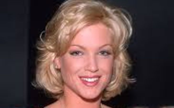 Heather Kozar is a former American Playboy who is currently Married to Tim Couch since 2005; Explore Heather Kozar Children, Wiki-Bio, Past Affairs, Net Worth, and Affairs; Also, see..