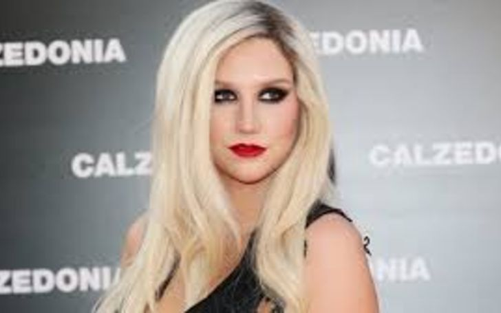 The Praying singer Kesha is in a dating relationship with her lover Brad Ashenfelter. She seems quite happy with him. Find out about Kesha's no-makeup face, net worth, songs, dating, and much more in this wiki-bio.